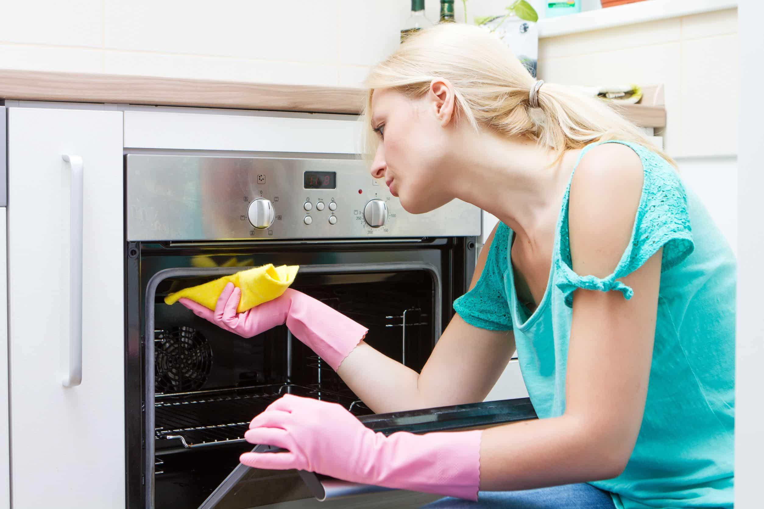 Домашная порнуха на кухне