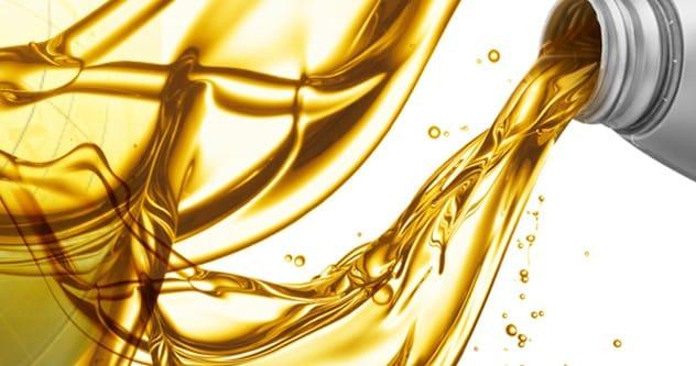 Чем отстирать машинное масло с одежды