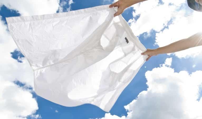 Как отстирать белизну с одежды
