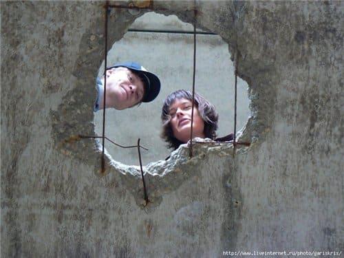 Заделать дыры в двери своими руками