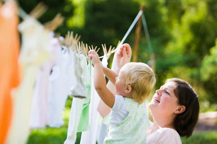 How to remove stains on children's clothes