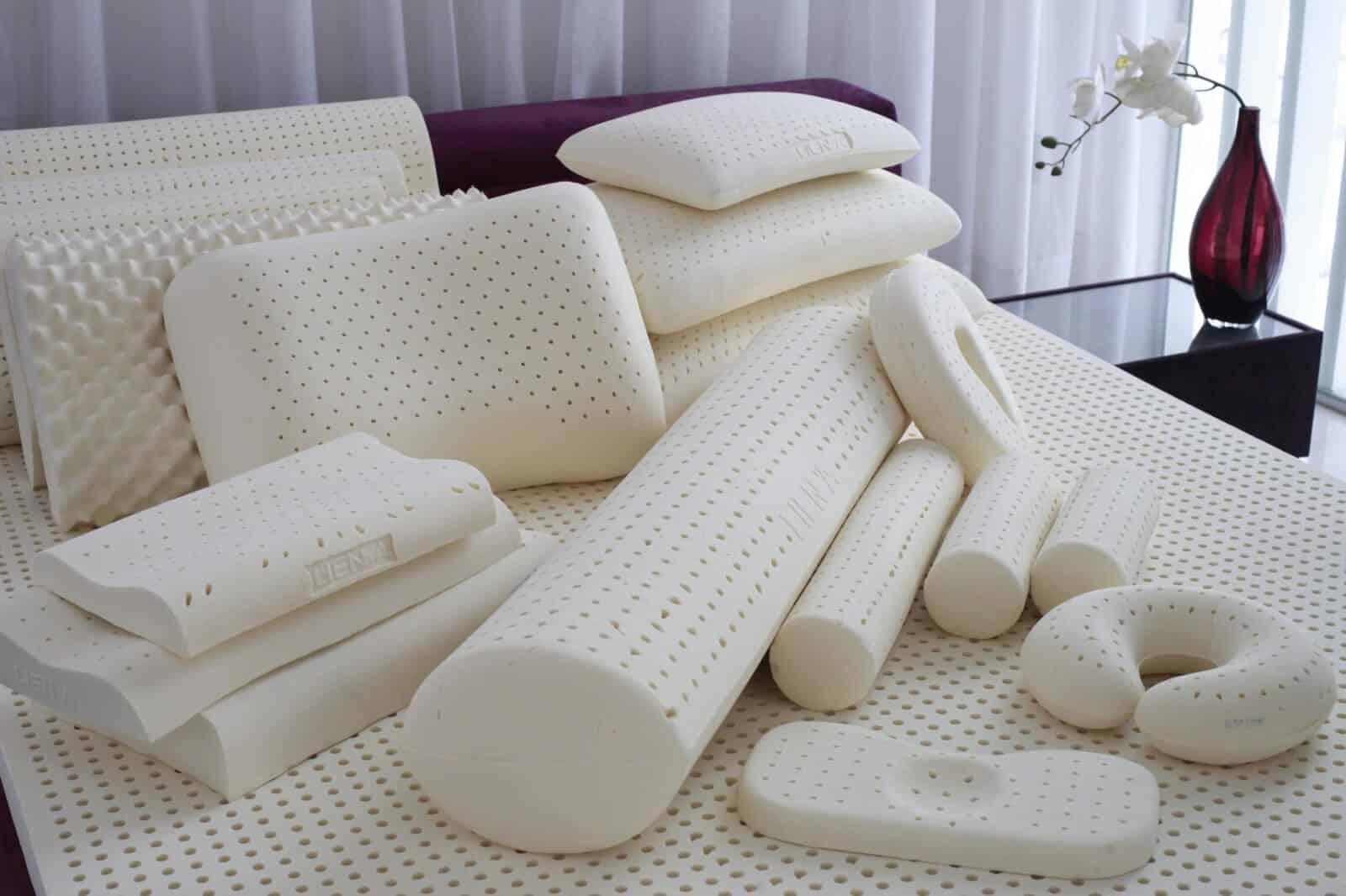 как постирать латексную подушку