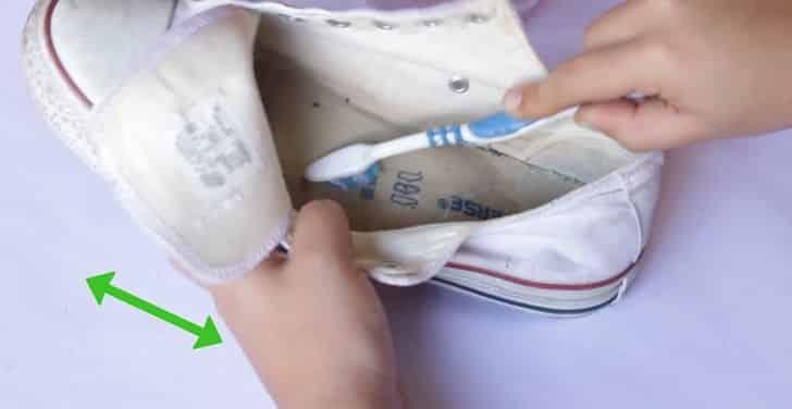 Стираем кроссовки в стиральной машине