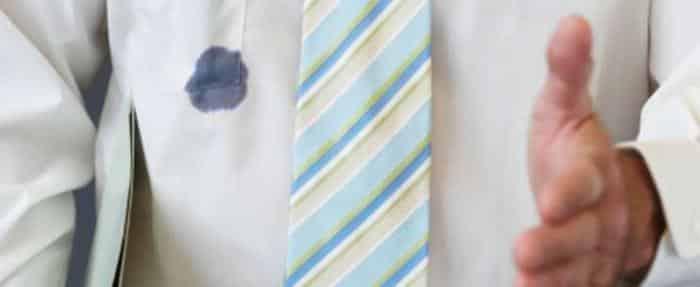 Чем отстирать гелевую ручку с белой одежды