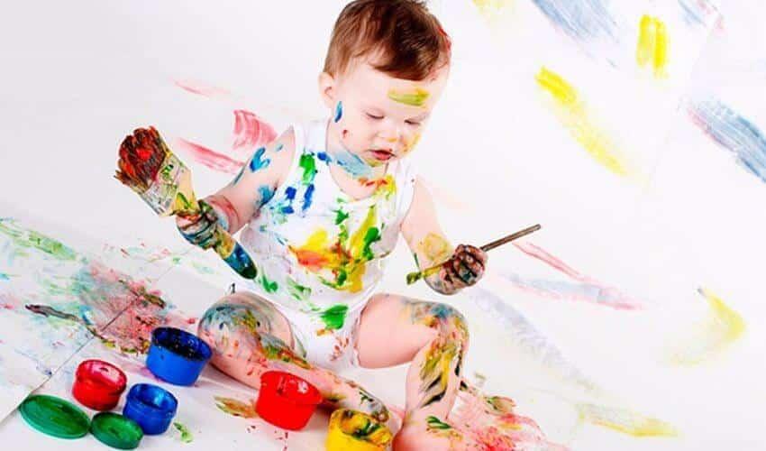 Чем отстирать акварельную краску с одежды в домашних условиях