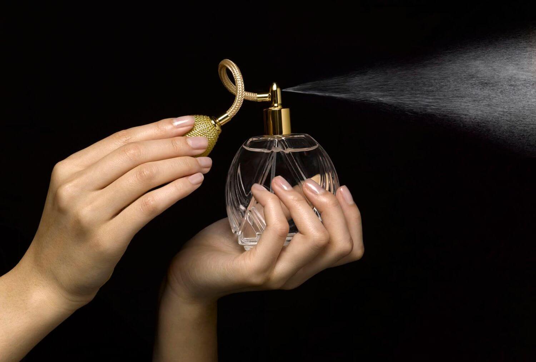 Как отстирать духи