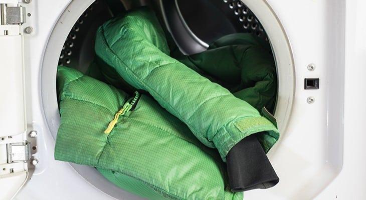 Как постирать куртку и пуховик