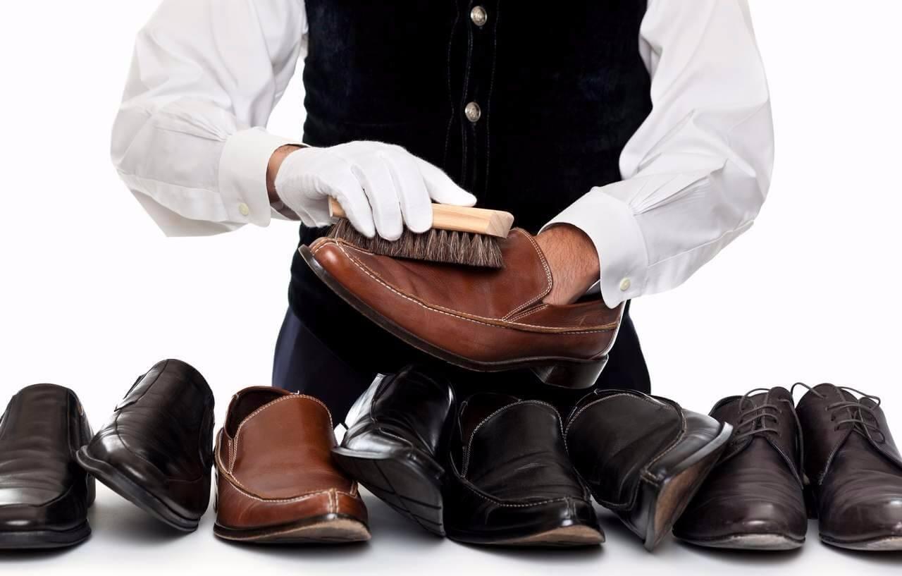 Как убрать жирные пятна с кожаной обуви