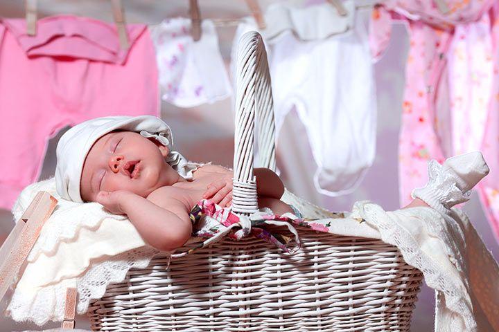 Каким порошком стирать вещи для новорожденных