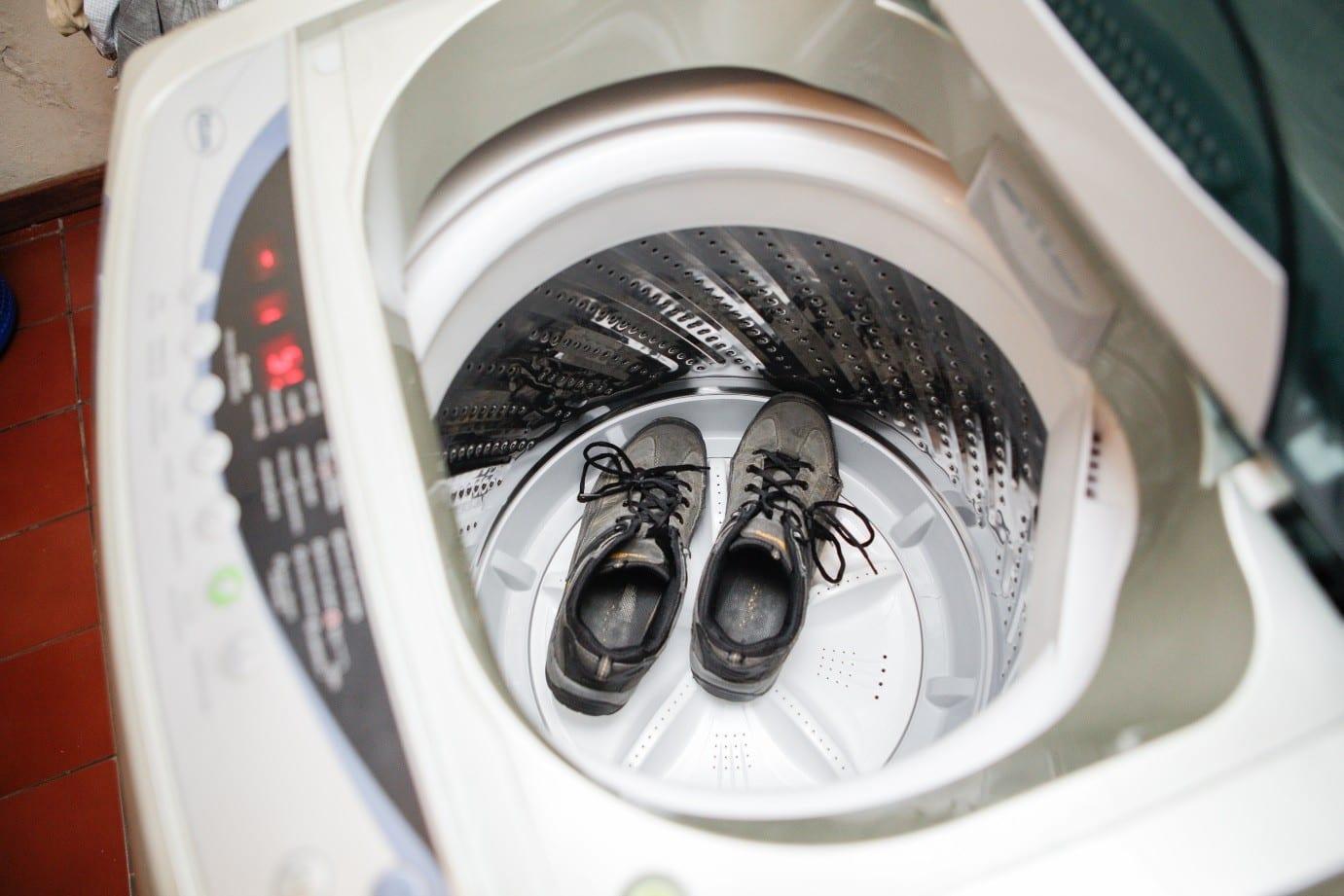 Можно ли стирать в машине обувь