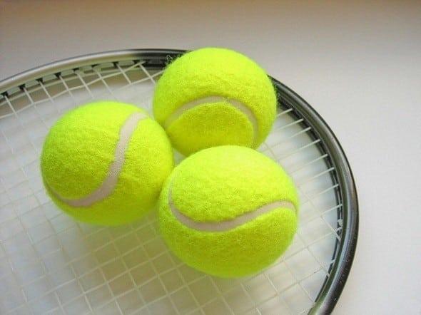 С какими мячиками стирать пуховик