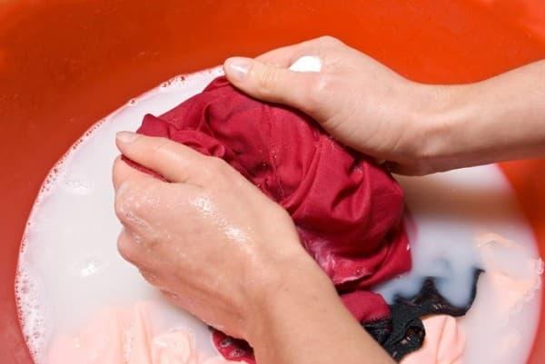 Как отстирать отстегивающийся от платья воротник