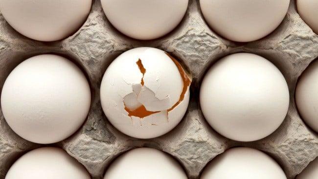 Сколько хранятся яйца в холодильнике сырые