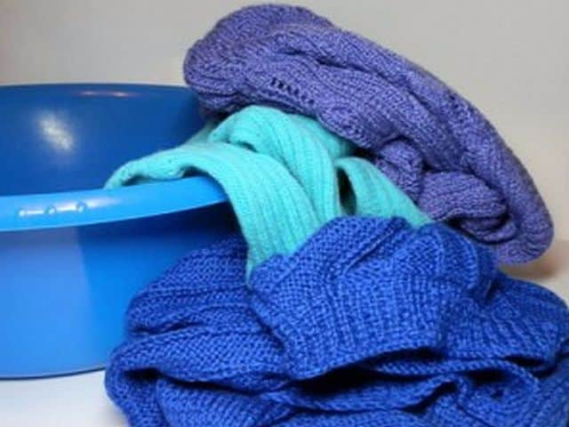 Как стирать только вязанную вещь